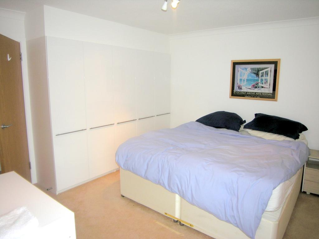 Lammas Court St Leonard 39 S Road Windsor Sl4 2 Bed: 4 bedroom maisonette