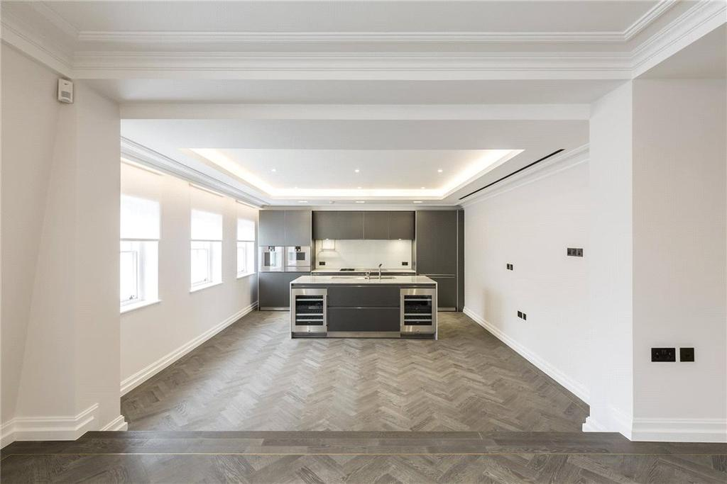 3 Bedrooms Penthouse Flat for sale in 4-5 Queen Street, Mayfair, London, W1J