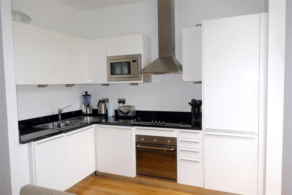 1 Bedroom Apartment Flat for sale in Woodlands, Hayes Point, Sully
