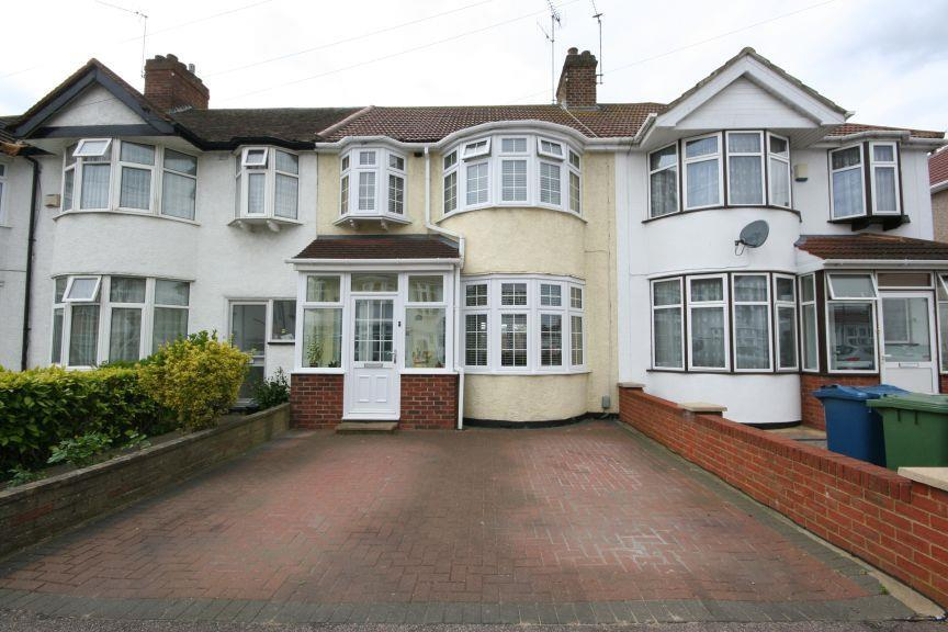 3 Bedrooms Terraced House for sale in Tonbridge Crescent, Kenton HA3 9LA