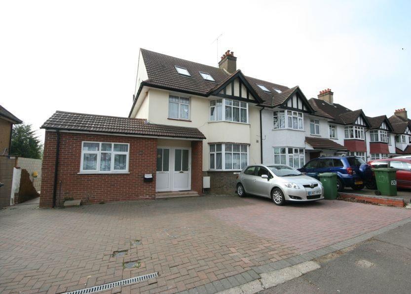 1 Bedroom Maisonette Flat for sale in Whitchurch Lane, Edgware HA8 6QL