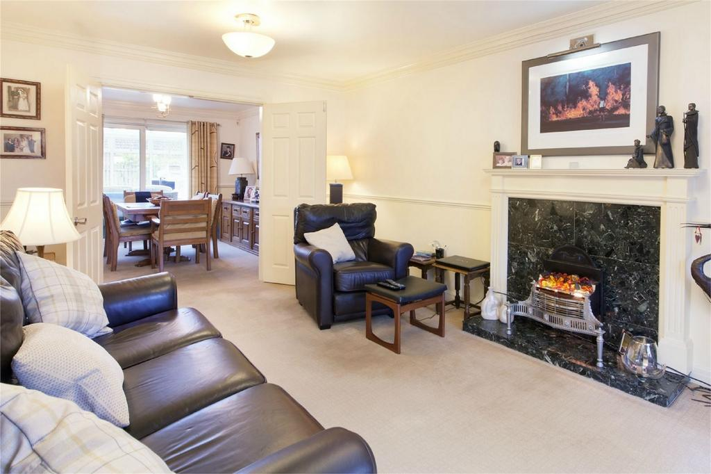 4 Bedrooms Detached House for sale in 3 Elvington Park, Elvington, York