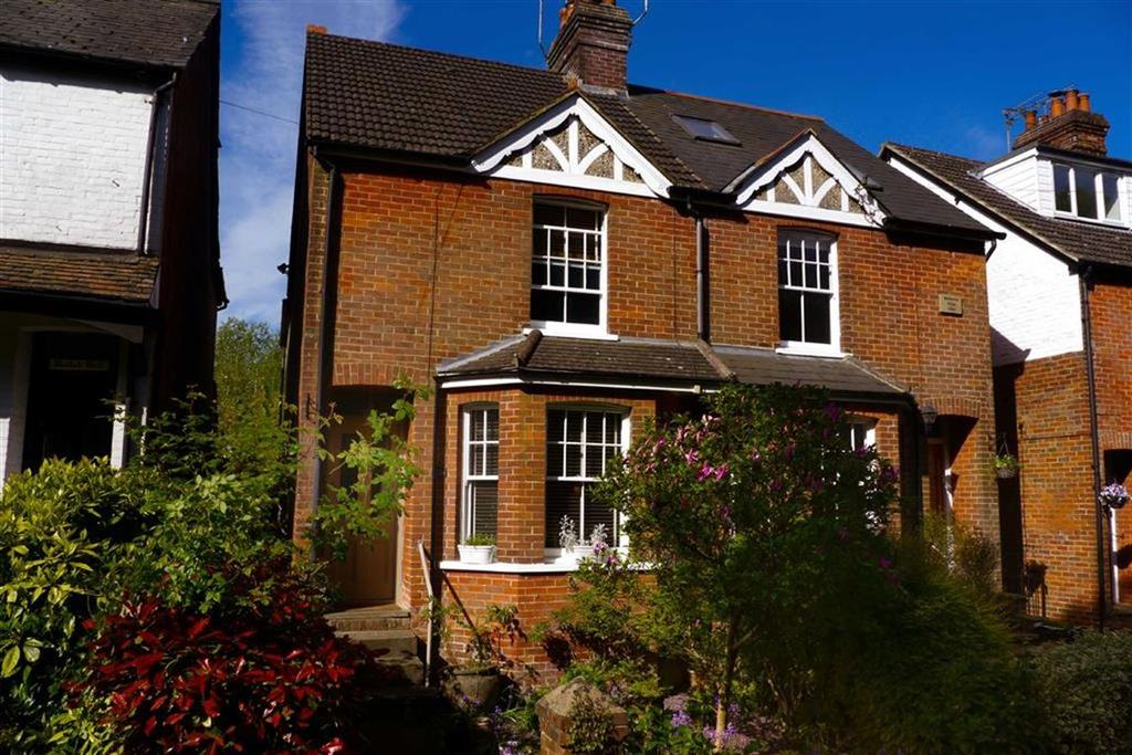 3 Bedrooms Semi Detached House for sale in Tilford Road, Hindhead, Surrey, GU26