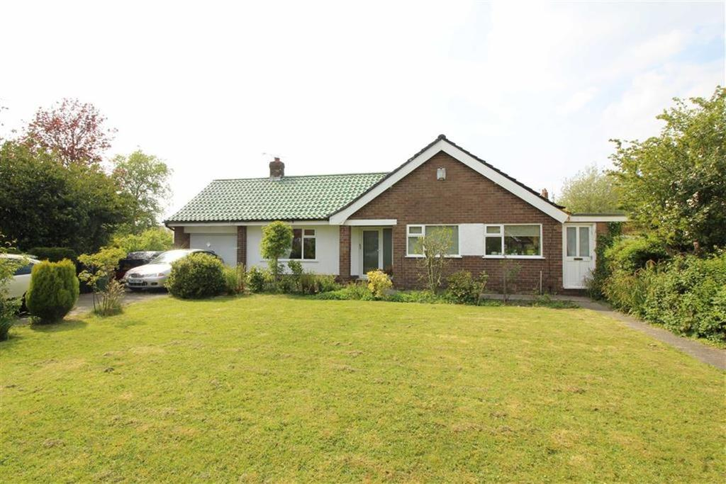 4 Bedrooms Detached Bungalow for sale in Coniston Road, High Lane, Stockport, Cheshire