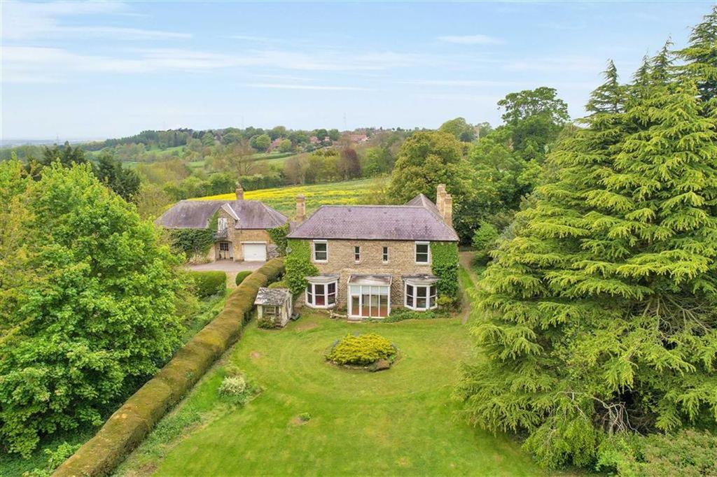 6 Bedrooms Detached House for sale in Lincoln Road, Navenby, Lincoln, Lincolnshire