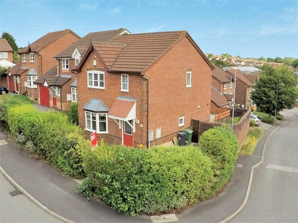 3 Bedrooms Detached House for sale in Lovage Close, Pontprennau, Cardiff