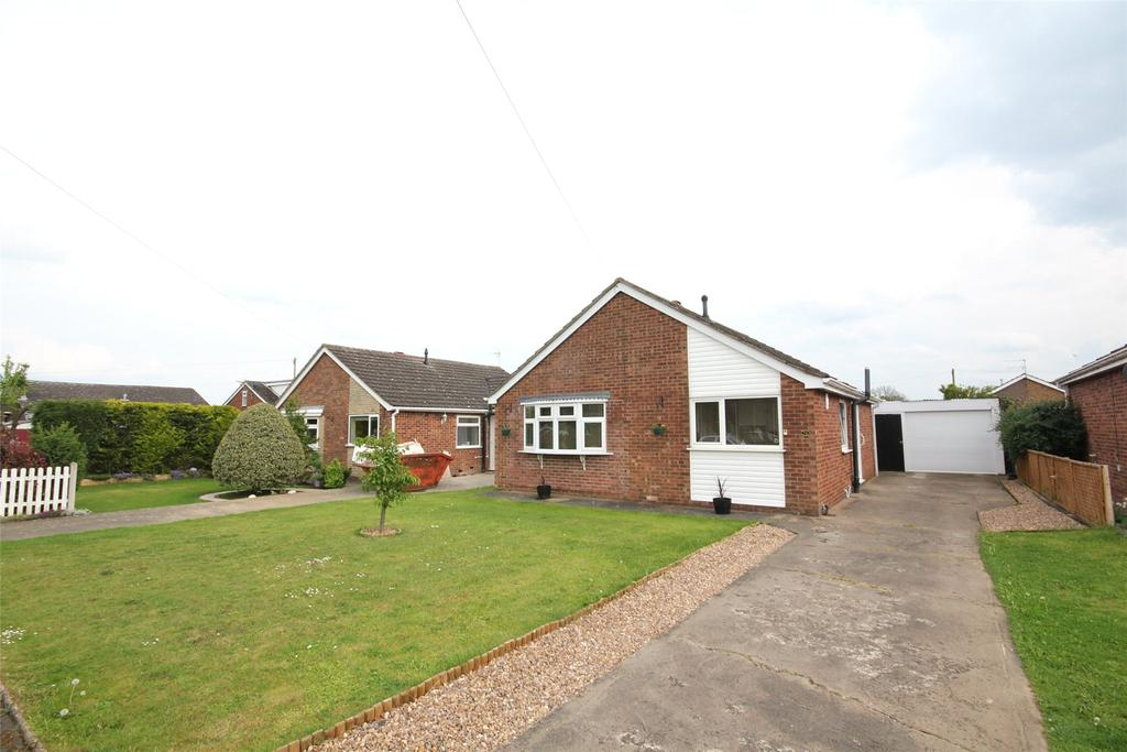 3 Bedrooms Detached Bungalow for sale in Rivehall Avenue, Welton, LN2