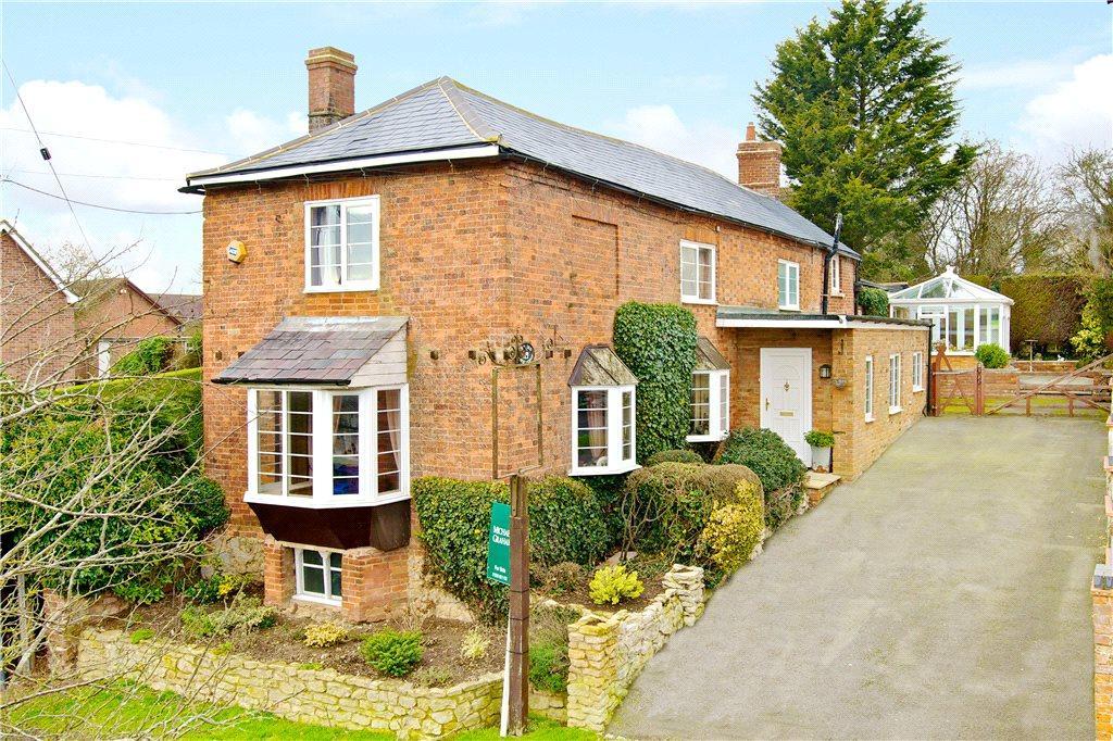 4 Bedrooms Unique Property for sale in Main Street, Padbury, Buckinghamshire