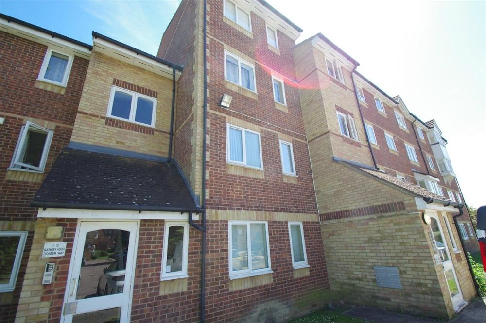 1 Bedroom Flat for sale in Guernsey House, Pioneer Way, WATFORD, Hertfordshire