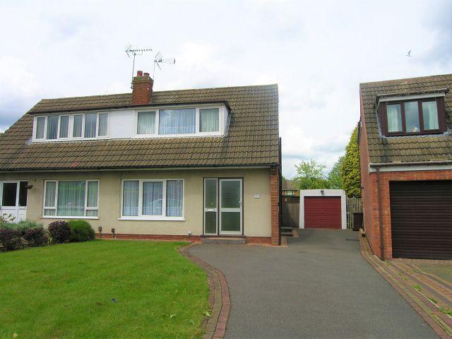 2 Bedrooms Bungalow for sale in Greenfields Road,Shelfield,Walsall
