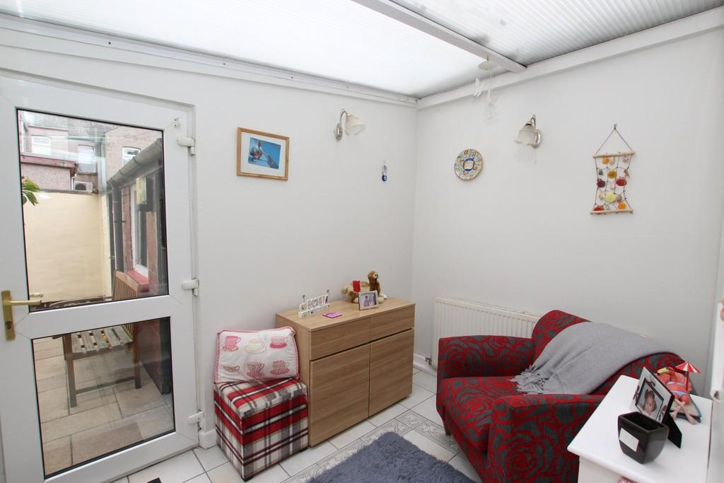 2 Bedrooms Terraced House for sale in Kent Street, Barrow
