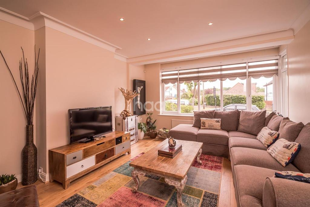 5 Bedrooms Semi Detached House for sale in Waterfall Road, New Southgate, N11