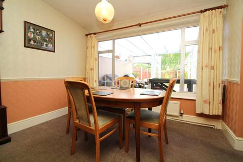 3 bedroom semi-detached house for sale - Clive Avenue, Lincoln