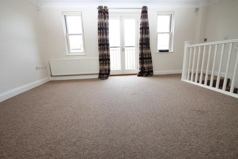 3 bedroom maisonette to rent - King Charles Court, 144 Moulsham Street
