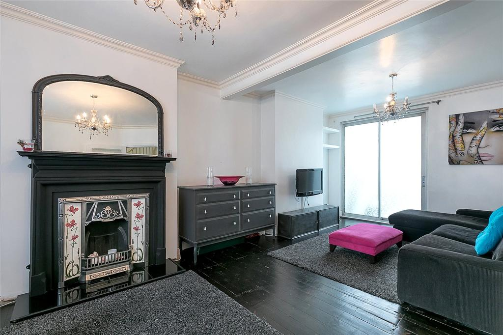 3 Bedrooms Semi Detached House for sale in Meadow Way, Wembley, HA9