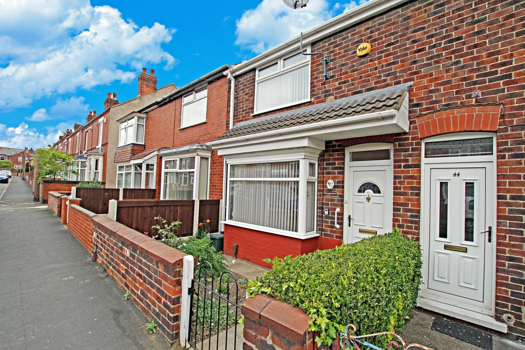 2 Bedrooms Terraced House for sale in Cecil Avenue, Warmsworth, DN4 9QW