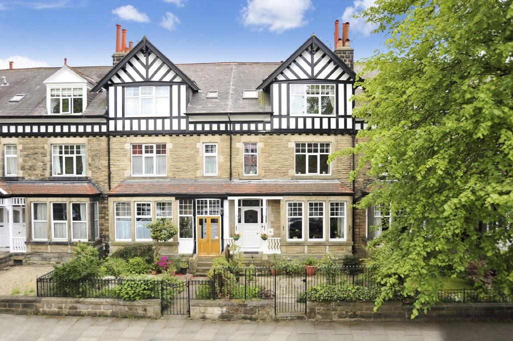 5 Bedrooms Terraced House for sale in Dragon Parade, Harrogate