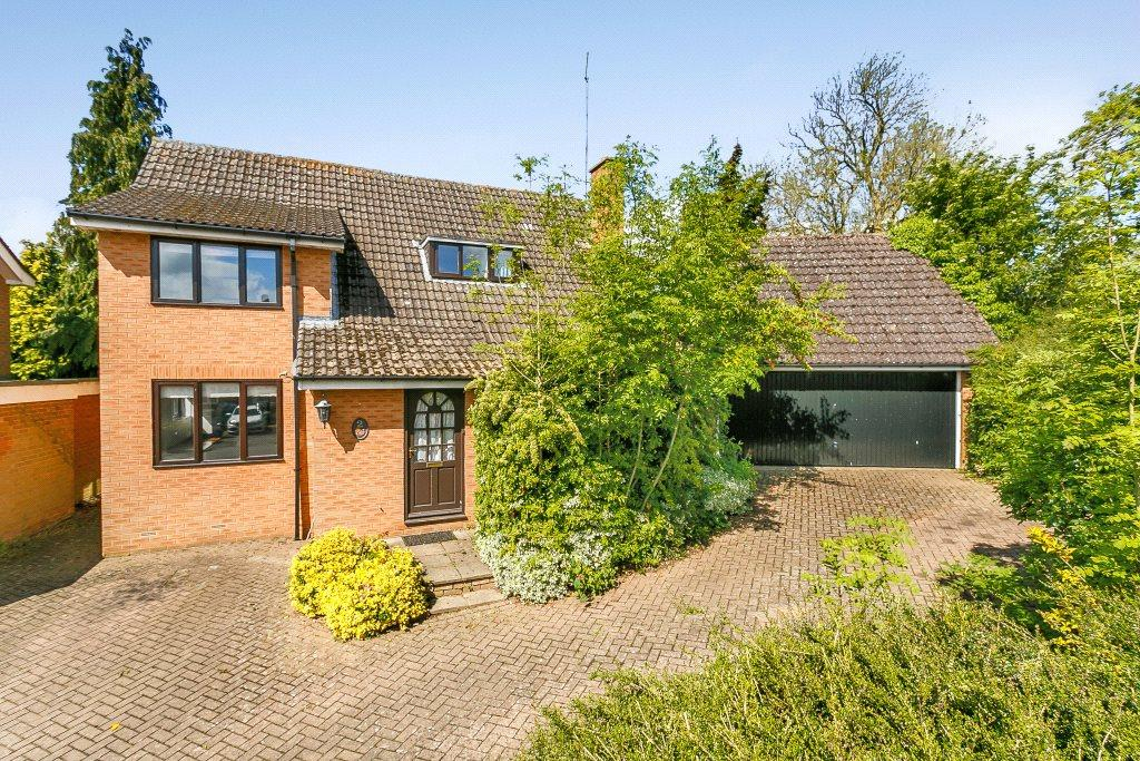 4 Bedrooms Detached House for sale in Bricketts Lane, Flore, Northampton, Northamptonshire, NN7