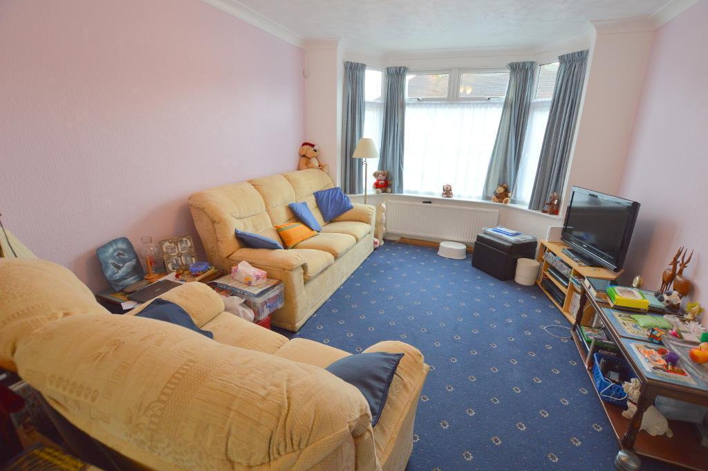 3 Bedrooms Terraced House for sale in Milton Road, South Luton, Luton, LU1 5JA