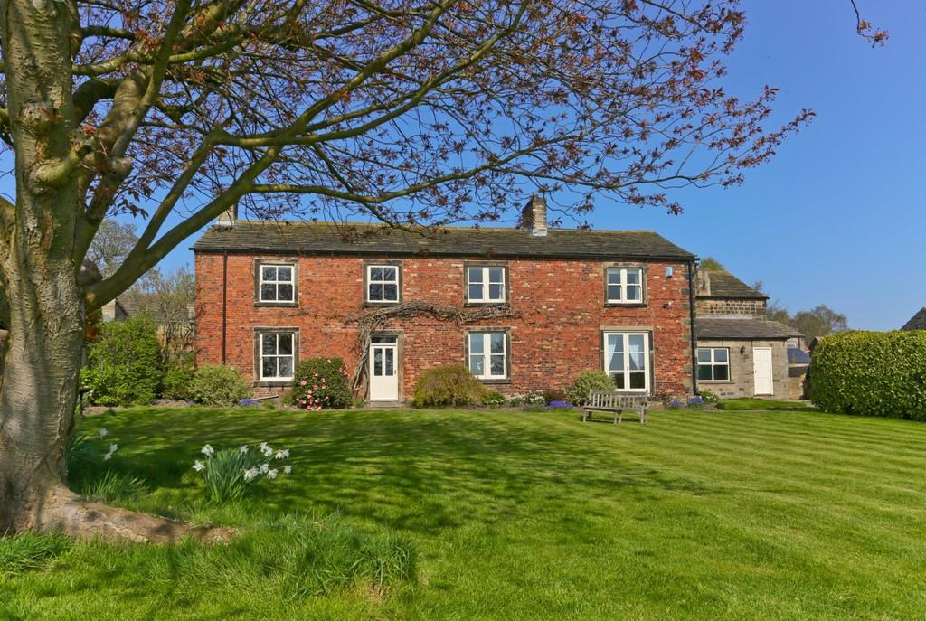 5 Bedrooms Detached House for sale in Town Farm,20 Sycamore Lane, Bretton, WAKEFIELD, West Yorkshire