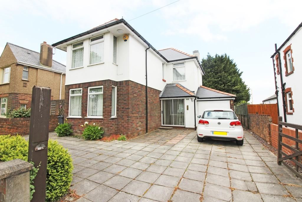 3 Bedrooms Detached House for sale in Ash Grove, Whitchurch