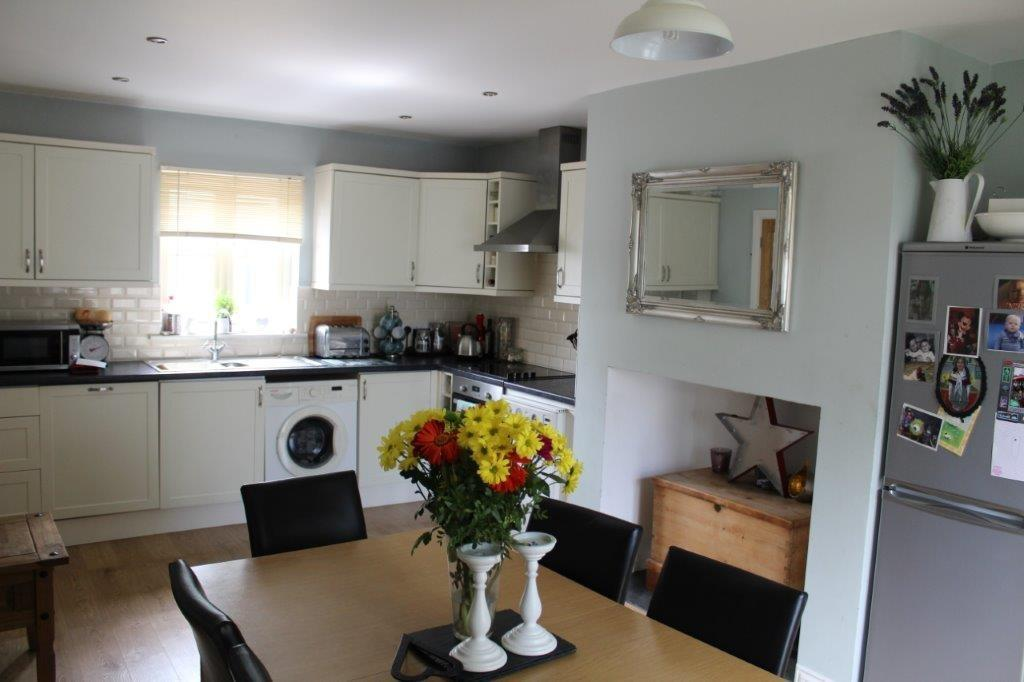 3 Bedrooms Detached House for sale in Rosehill Court, Haverfordwest