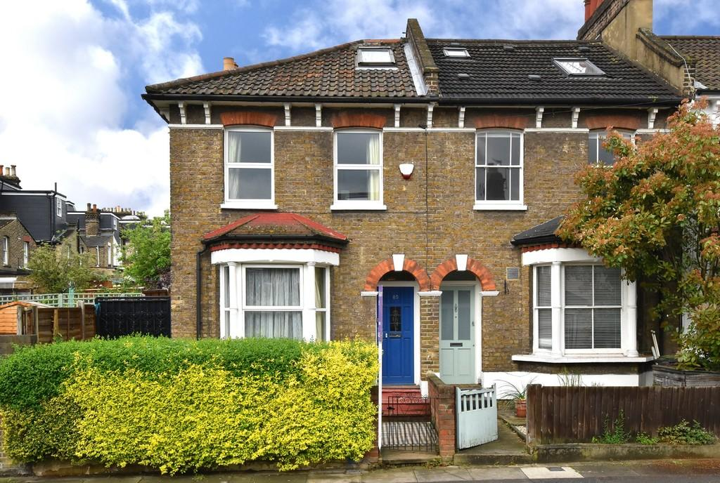 4 Bedrooms Terraced House for sale in Algernon Road SE13