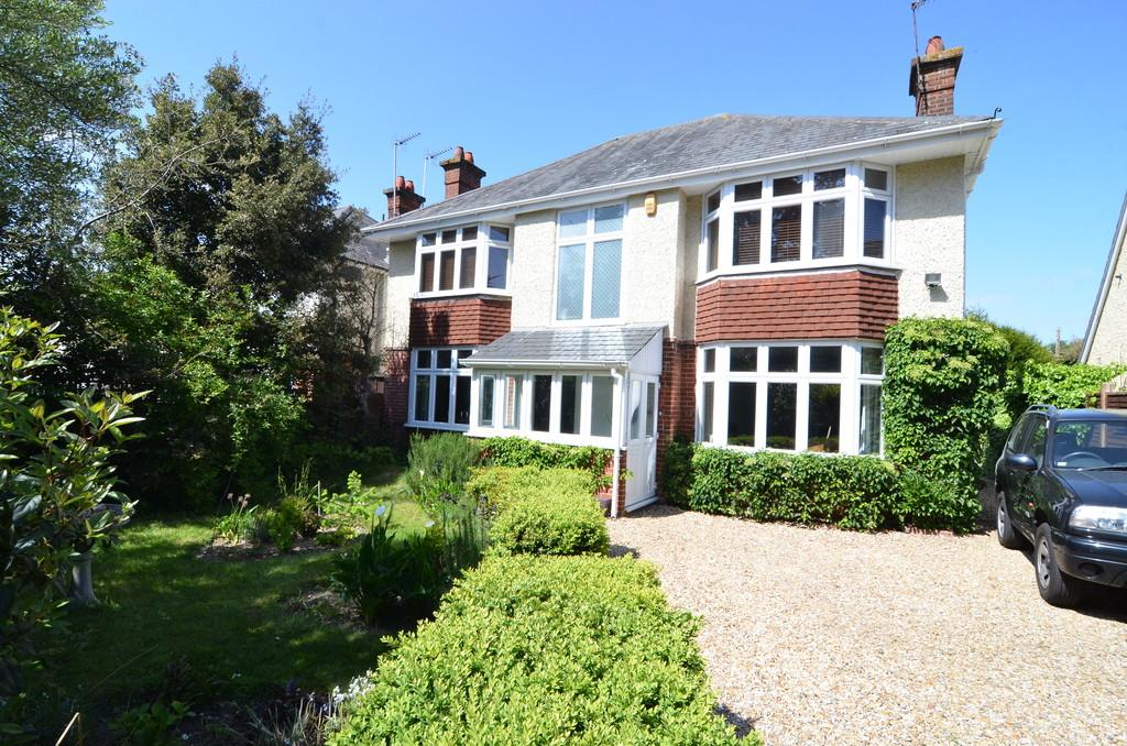 4 Bedrooms Detached House for sale in St. Lukes Road, Bournemouth