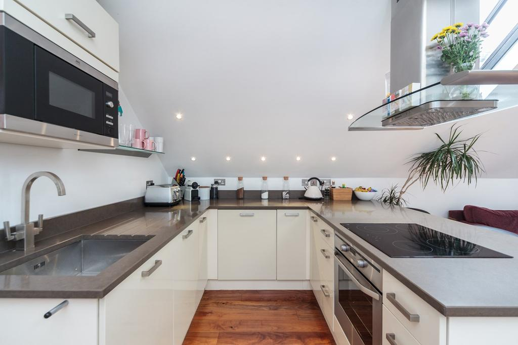 1 Bedroom Flat for sale in Devonshire Place , Brighton, BN2