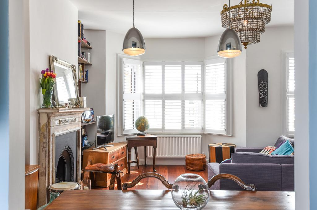 2 Bedrooms Flat for sale in Crewdson Road, SW9