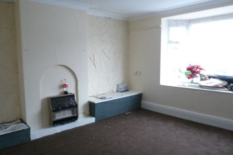 3 bedroom flat to rent - STRATFORD ROAD