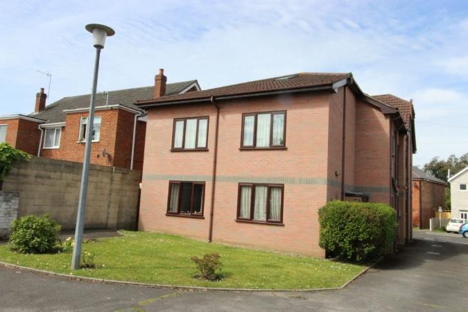 1 Bedroom Flat for sale in Trafalgar Road, Winton
