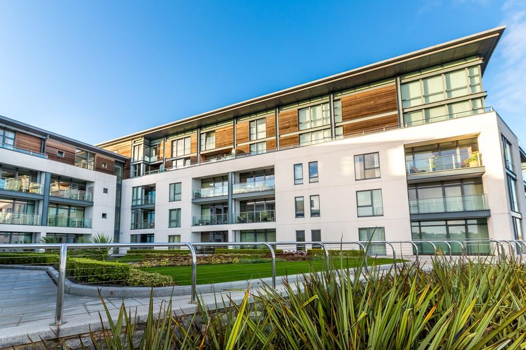 2 Bedrooms Flat for sale in Vue Epec, St. Peter Port, Guernsey