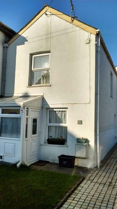 2 Bedrooms End Of Terrace House for sale in Clifden Road, St. Austell