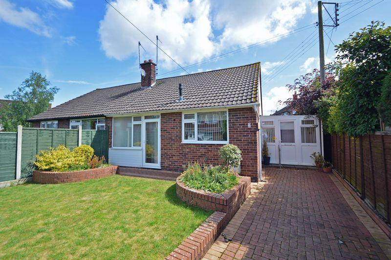 2 Bedrooms Semi Detached Bungalow for sale in Close to the village centre of Pill