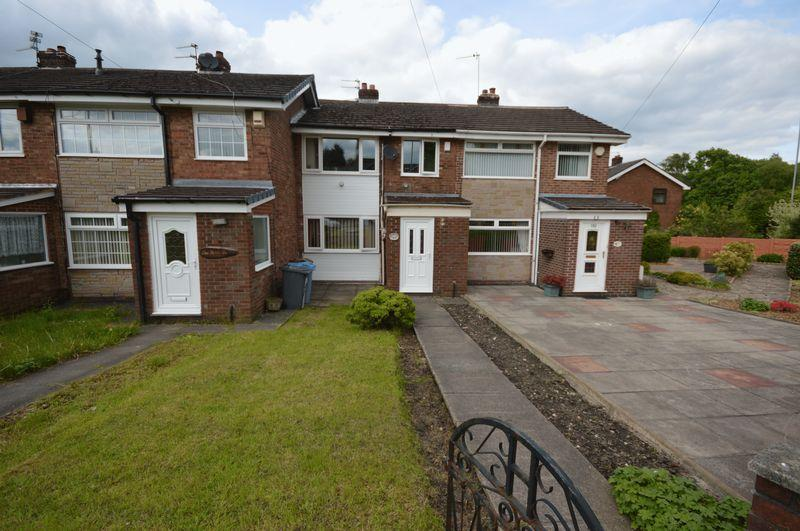 3 Bedrooms Terraced House for sale in Lansdowne Road, Oldham