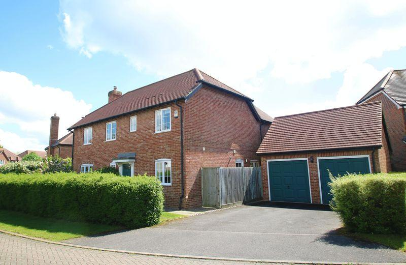 3 Bedrooms Detached House for sale in Pickenfield, Thame