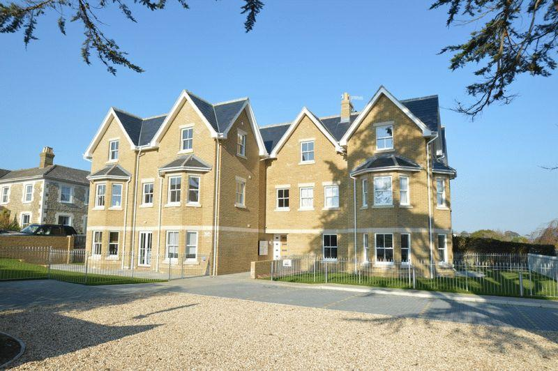 2 Bedrooms Apartment Flat for sale in FRESHWATER BAY