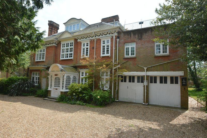 3 Bedrooms Penthouse Flat for sale in RYDE