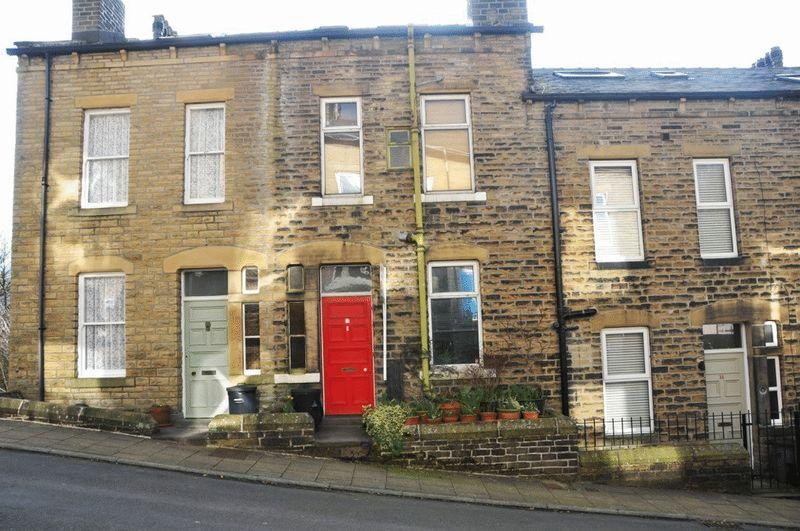 4 Bedrooms Terraced House for sale in Blenheim Street, Hebden Bridge