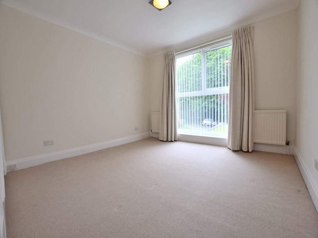 Parkfield Road South Didsbury 2 bed apartment to rent £1 000 pcm £231 pw