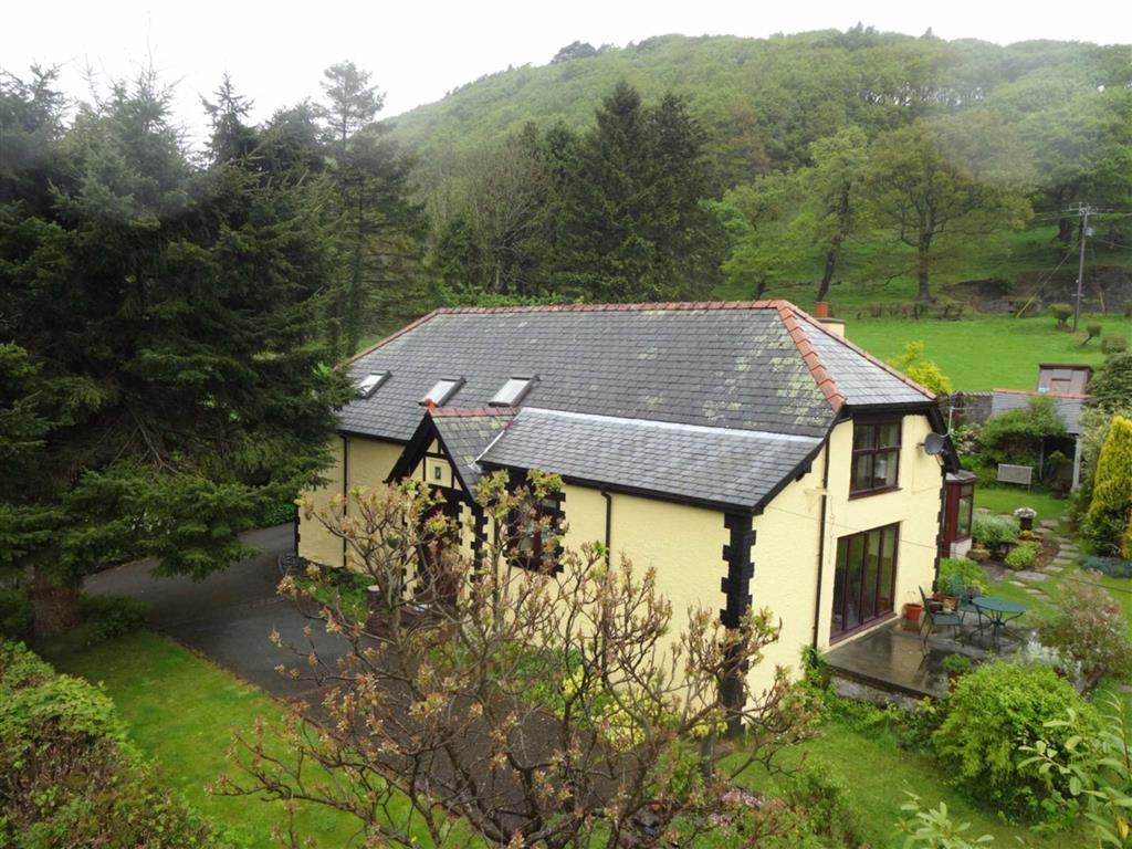 5 Bedrooms Detached House for sale in Isybryn, Uwchygarreg, Machynlleth, Powys, SY20