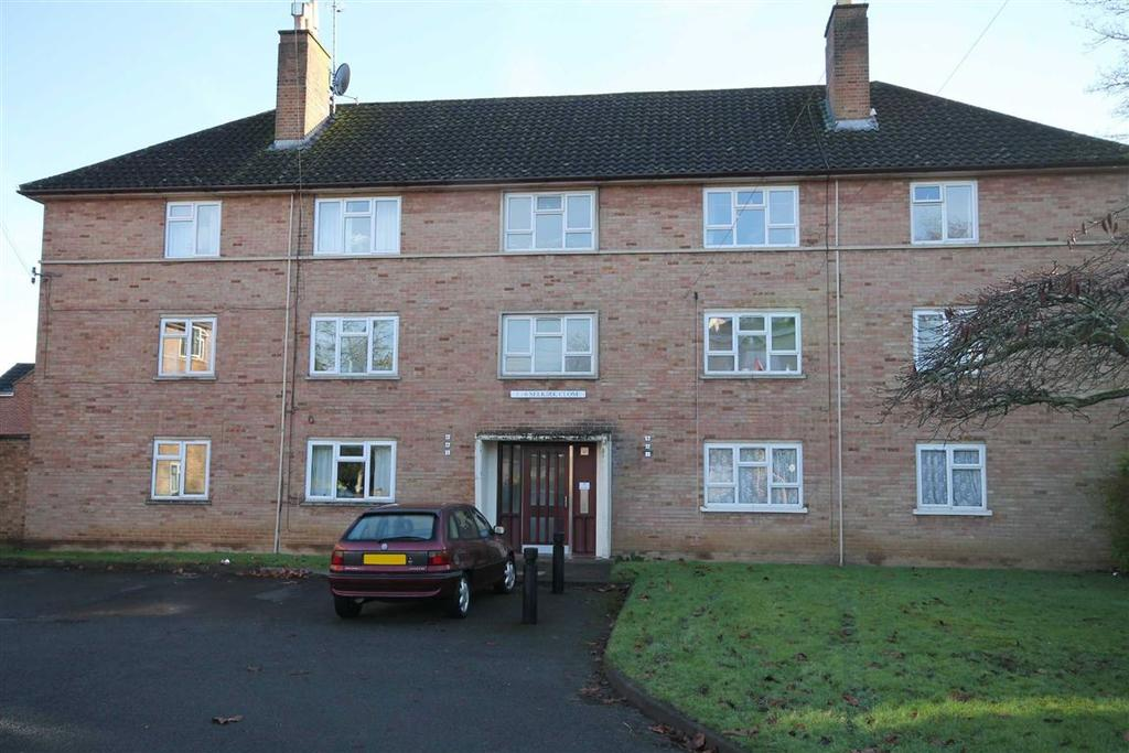 2 Bedrooms Flat for sale in Selkirk Close, Pittville, Cheltenham, GL52