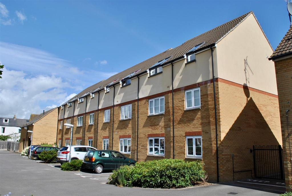 2 Bedrooms Apartment Flat for sale in Pollards Way, Taunton