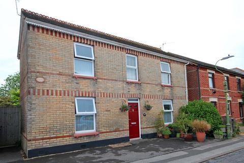 3 bedroom detached house for sale - Livingstone Road, Southbourne, Bournemouth
