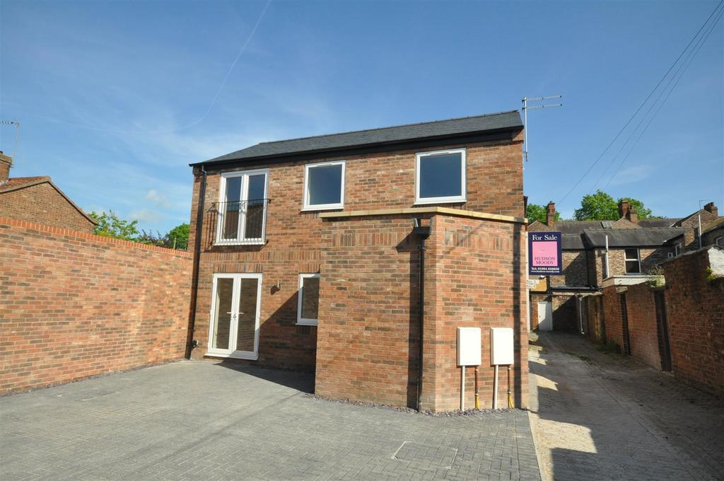 2 Bedrooms Apartment Flat for sale in Compton Street, York