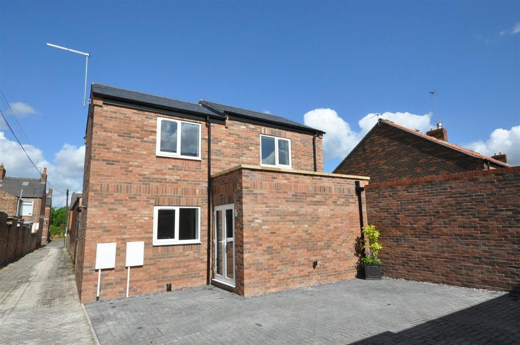 2 Bedrooms Detached House for sale in Compton Mews, Clifton Green, York