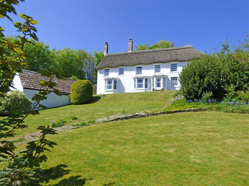 4 Bedrooms Detached House for sale in Horns Cross, Bideford, Devon, EX39