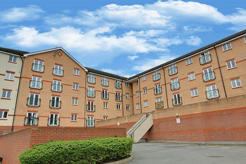 2 Bedrooms Apartment Flat for sale in Ruislip Road East, Greenford, Middlesex UB6