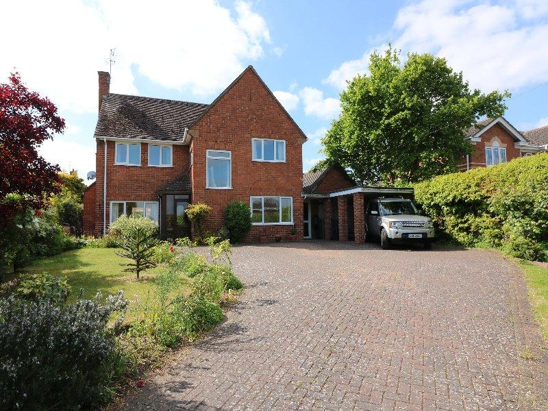 4 Bedrooms Detached House for sale in Pershore WR10